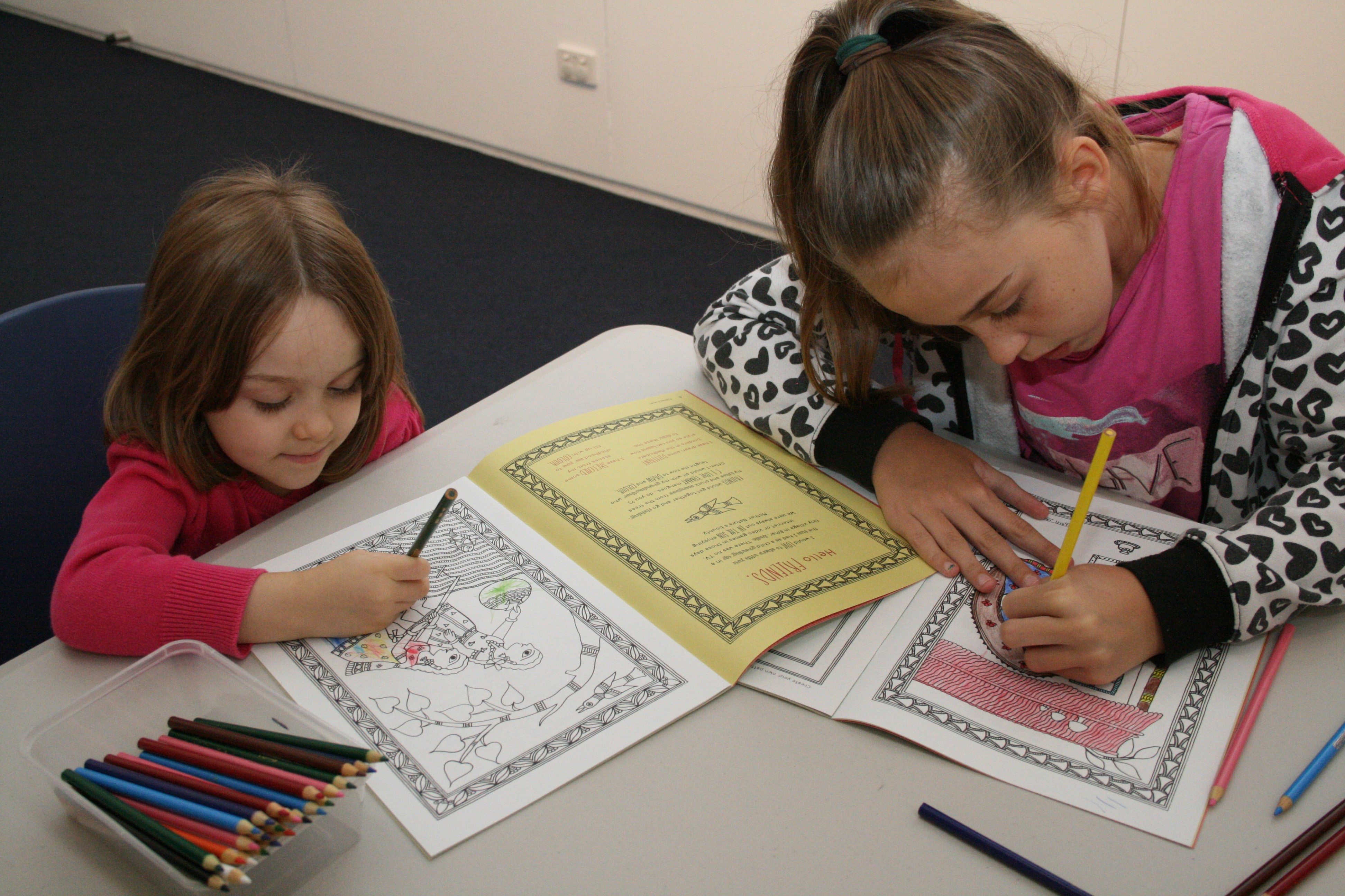 Participants enjoying activities as part of the APT8 Kids on Tour Regional Touring Program.  Image courtesy: Toowoomba Regional Art Gallery
